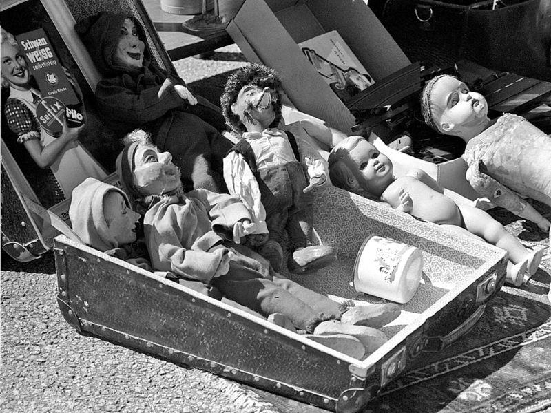 Antique_dolls