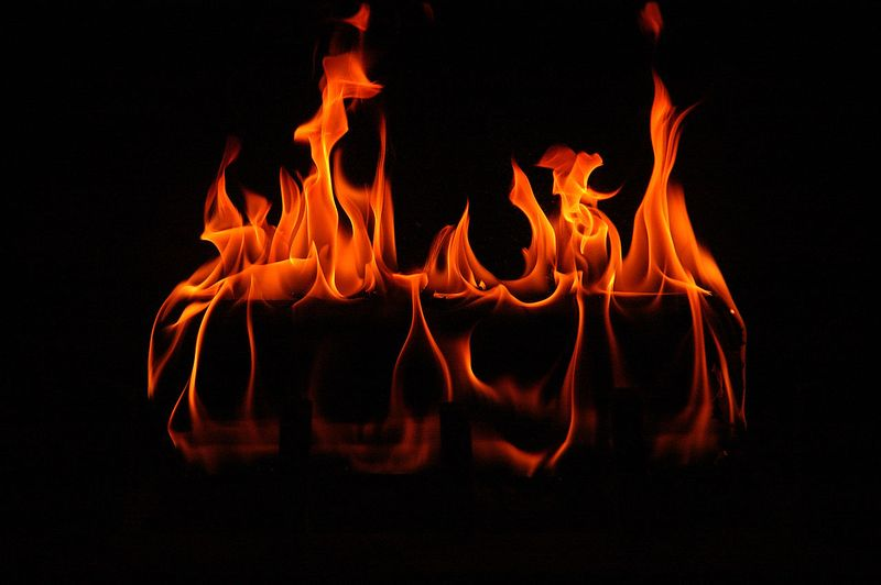 1280px-Fireplace-RM