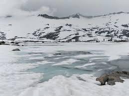 Icy_lake